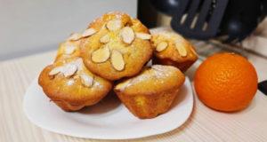 Ванильные маффины с мандаринами и миндалем