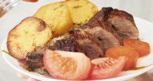 Свинина в рукаве с картошкой и морковкой