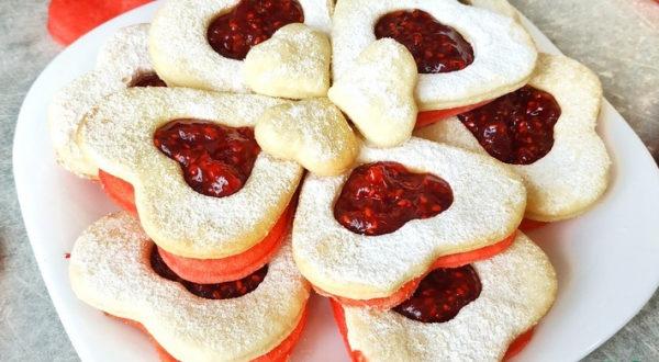 Печенье с малиновой начинкой