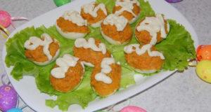 Яйца фаршированные овощами