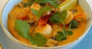 Тайский суп Том Ям с креветкой