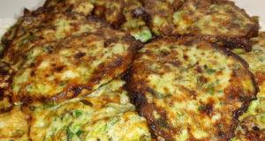 Драники с мясом и сыром из кабачков