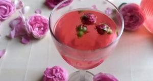 Летний напиток из чайной розы
