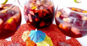 Испанский напиток из фруктов и вина