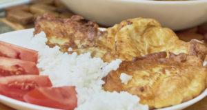 Пангасиус в сметанном кляре на сковороде