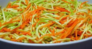 Салат из молодого кабачка с морковью