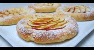 Творожные ватрушки с яблоками